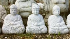 Budha s koulí (meditující)